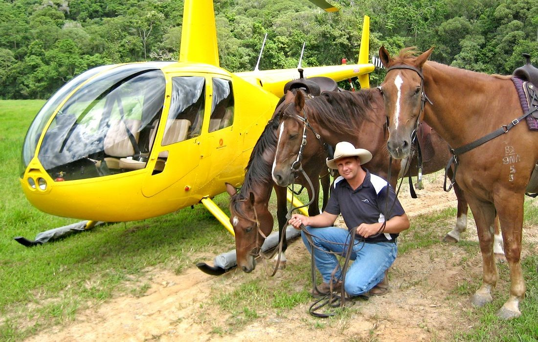 tours-helicopter-horse-rides